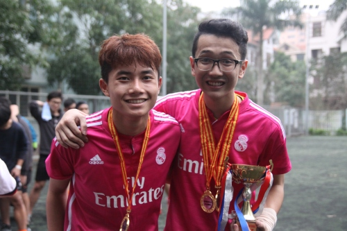 U18 Champions- VAS Hanoi with Captain Nguyen Duc Manh and MVP Nguyen Tung Anh