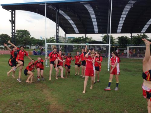 The Viet Celts Ladies throwing shapes