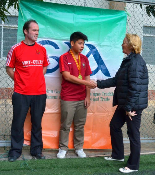 VAS Hanoi U15 MVP, Nguyen Tran Nguyen with Jim Kiernan and Ann Brown with Jim Kiernan
